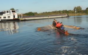 Die Weser in Nienburg in Höhe des Bootshauses